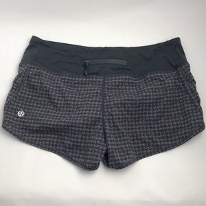 Lululemon run shorts size 4